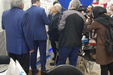 بازدید معاونت محترم وزیر نیرو دکتر فلاحتیان از غرفه GROW